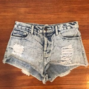 FORVER 21 • Distressed Shorts • Size 27